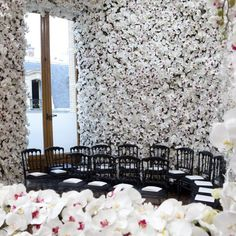 Dior wall-to-wall floral decor #PFW | Fashion Photo Friday