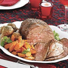 Sirloin Tip Roast with Carrots and Baby Red Potatoes | Serve a beef roast for Sunday supper this week. This one-dish meal has everything you need for a filling dinner.