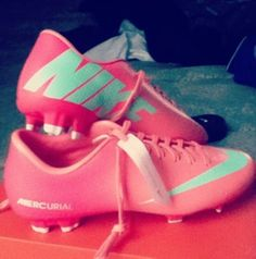 nike pink soccer cleats