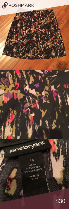 Lane Bryant Printed Skirt Excellent condition. No rips, stains, or flaws. Fits true to size. Does not have much stretch. Zips in the back. Length is 24'' and the waist is 19'' across. Lane Bryant Skirts Midi