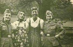 Kleidertausch German Soldiers and collaborating Woman