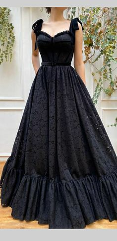 Simple Formal Dresses, Black Wedding Dresses, Elegant Dresses, Pretty Dresses, Beautiful Dresses, Black Gowns, Vintage Formal Dresses, Sexy Evening Dress, Formal Evening Dresses