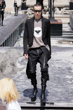 See all the Collection photos from Rick Owens Spring/Summer 2020 Menswear now on British Vogue Fashion Show, Mens Fashion, Fashion Trends, Origami Fashion, Fashion Details, Fashion Design, Jumpsuit Pattern, Apparel Design, Rick Owens