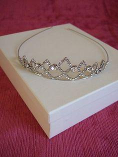 Crystal & Silver vintage style Tiara / Headband / Head dress / Bridal Tiara / Special Occasion / WeddingTiara / Prom Tiara