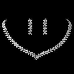 How To Make Silver Bracelets Prom Jewelry, Jewelry Logo, Bridal Jewelry Sets, Bridal Earrings, Pearl Jewelry, Jewelery, Jewelry Accessories, Jewelry Necklaces, Silver Jewelry