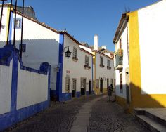 Óbidos by Figueiredo- Martins, via Flickr  A well preserved medieval town, Óbidos is situated 100 km north of Lisbon in the centre of Portugal.