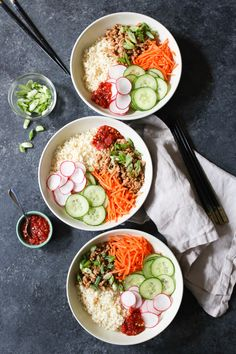 Bulgogi Chicken Bowls with Coconut Cauliflower Rice. These nutritious, flavor-packed bowls are the perfect weeknight dinner. Sin Gluten, Gluten Free, Asian Recipes, Healthy Recipes, Delicious Recipes, Free Recipes, Protein Recipes, Bulgogi Recipe, Clean Eating