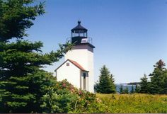 Deer Island Thorofare Light, also known as Mark Island Light,[4] is a lighthouse on Penobscot Bay, Maine, about 1.8 nautical miles (3.3 km; 2.1 mi) west-southwest of Stonington. It was built in 1857.