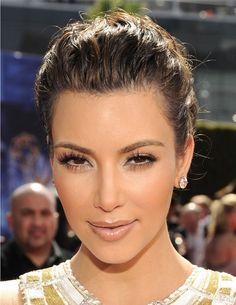 Top 20 Kim Kardashian Makeup Looks - Style Motivation Kim Kardashian Makeup Looks, Kardashian Beauty, Kardashian Style, Kourtney Kardashian, Beauty Makeup, Hair Makeup, Hair Beauty, Eye Makeup, Airbrush Makeup