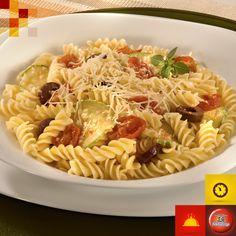 Parafuso ao Molho de Tomate Cereja e Abobrinha