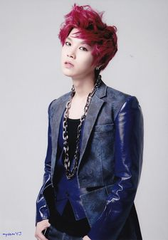 Zelo. I saw this and my eyes literally widened because of his beautifulness.