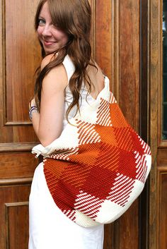 Ravelry: The Weekender Bag pattern by Sara Dudek