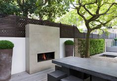 New No Cost utepeis Outdoor Fireplace Thoughts Regardless how much an individual style and design your house contained in the product; it's your outdoor desi. Contemporary Outdoor Fireplaces, Modern Outdoor Fireplace, Outdoor Fireplace Designs, Contemporary Garden, Fireplace Ideas, Outside Fireplace, Backyard Fireplace, Backyard Garden Design, Backyard Patio