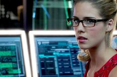 "21 Reasons Felicity Smoak Is The Real Hero Of ""Arrow"""