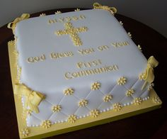 First Communion Cake - daisies by cakespace - Beth (Chantilly Cake Designs), via Flickr