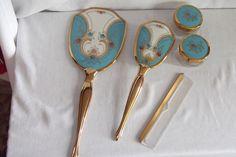 Boudior Vanity Dresser Set Brush Mirror Comb Beauty Jars Blue Deco Celluloid. Dresser Vanity, Dresser Sets, Old Dressers, Vanity Set, Vanity Mirrors, Vanity Room, Antique Vanity, Vintage Mirrors, Vintage Vanity