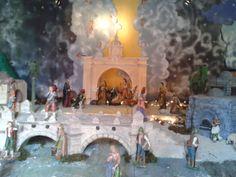 A traditional Nativity Scene from Guatemala. #Chirstmas  Un Nacimiento tradicional de Guatemala #Navidad  http://www.rawepub.com  Nativity Scene / Nacimiento / Belén (from Rawepub.com - Galleries)
