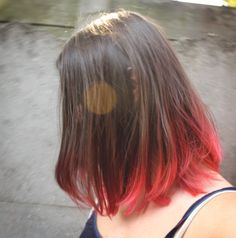 Natural looking red ombré