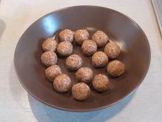 Kokosové kuličky Dog Food Recipes, Beans, Food And Drink, Vegetables, Ethnic Recipes, Dog Recipes, Vegetable Recipes, Beans Recipes, Veggies