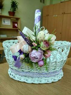Ester Decoration, Basket Decoration, Easter Crafts, Holiday Crafts, Holiday Fun, Easter Tree, Easter Wreaths, Flower Arrangement Designs, Bouquet