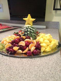 New ideas fruit tray ideas christmas - Fruit Favorites - Fruit Christmas Appetizers, Christmas Desserts, Christmas Treats, Christmas Parties, Brown Sugar Roasted Carrots, Best Fruit Salad, Fruit Dishes, Fruit Trays, Food Trays