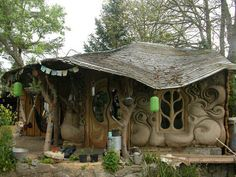 The World's Storybook Cottage Homes Cob house in Somerset, UK Earthship, Storybook Homes, Storybook Cottage, Fairytale Cottage, Casa Dos Hobbits, Natural Homes, Unusual Homes, Earth Homes, Natural Building