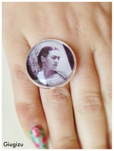 Frida Kahlo inspired ring, more pictures and accessories on my blog : http://giugizu.blogspot.it/2014/05/frida-kahlo-accessories-accessori-frida.html