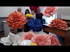YouTubeЧетырёхдверный курс в Кемерово. Профессиональное обучение сотрудников  организаций. За эти дни всю мастерскую усыпали цветами. Работали со всеми материалами. Изучили много техник и сборок цветов.  @rosetta_kemerovo тут работают талантливейшие флористы .    #флористикамосква #живыецветы #живыецветыновосибирск #живыецветычита #живыецветыиркутск #живыецветыказань #живыецветыростов #живыецветыкраснодар  #большиецветыкраснодар #мкбольшиецветы #мкцветыизбумаги #бумажнаяфлористика…