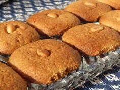Fursecuri cu unt de arahide de post Romanian Food, Romanian Recipes, Latin Food, Muffin, Sweets, Cookies, Mai, Breakfast, Desserts