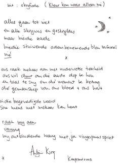 Vroueskrywers skryf in eie handskrif uittreksels van hul werk op papier – hul geliefkoosde paragrawe. #antjiekrog #afrikaans #skrywers #skryf #boeke #litnet #liefde