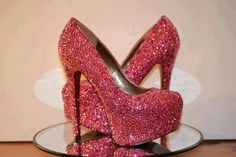 Pink and sparkly heels Sparkly Shoes, Bling Shoes, Fab Shoes, Glitter Heels, Pink Heels, Prom Shoes, Crazy Shoes, Cute Shoes, Me Too Shoes