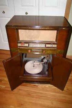 Vintage westinghouse tv am-fm radio record player combination set ...