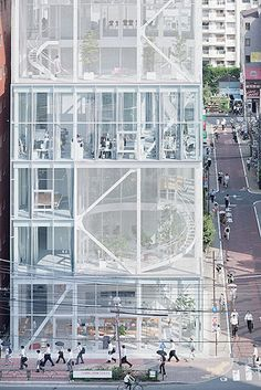 Shibaura Office,Tokyo – Kazuyo Sejima, SANAA – Iwan Baan - KitapU shared and photos Architecture Du Japon, Architecture Design, Architecture Office, Facade Design, Contemporary Architecture, Commercial Architecture, Building Facade, Exterior, Architectural Models