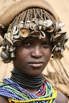 Africa | Dassanech girl. Omo Valley, Ethiopia | ©Richard Notebaart