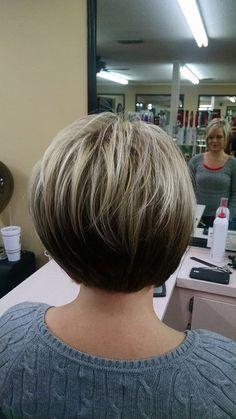 Textured Bob Hairstyles, Modern Bob Hairstyles, Inverted Bob Hairstyles, Haircuts For Fine Hair, Really Short Hair, Short Thin Hair, Short Hair With Layers, Short Hair Cuts For Women, Short Layered Bobs