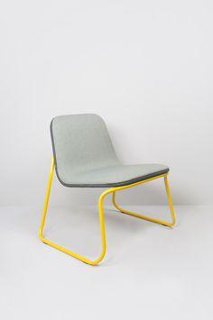 Siren is een familie van allround stapelbare stoelen, bar krukken en een lounge stoel. De stoelen zijn verkrijgbaar in iedere ral kleur en iedere stoffering om deze af te stemmen op jou interieur project.  Kids Furniture, Modern Design, Relax, Interior Design, Armchairs, Dream Homes, House, Interiors, Home Decor