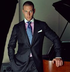 Stylish Mens Fashion, Fashion Suits, Classic Fashion, Men Fashion, Dapper Gentleman, Gentleman Style, Dressed To Kill, Well Dressed Men, Dress Suits