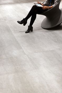 Shannon is a Concrete Grey Look extra large format, thin porcelain tile that comes in three size formats. This beautifully crafted ultra-thin bush-hammered finish tile with an slip rating Tile Installation, Tile Design, Porcelain Tile, Concrete, Tiles, Eco Friendly, Large Format, Black And White