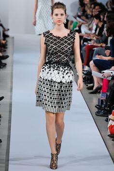 Oscar de la Renta Resort 2013 Fashion Show - Anais Pouliot