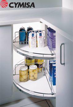 Esquinero giratorio REVO 90 Una solución inteligente para el almacenamiento en su cocina.