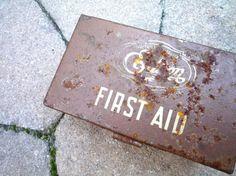 VINTAGE FIRST AID KIT, RUSTY TIN BOX.  SOUTHERN CALIFORNIA EDISON BRAND TREASURE BOX.