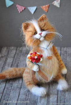 Conqueror of hearts cat toy – shop online on Livemaster with shipping Knitted Animals, Needle Felted Animals, Felt Animals, Needle Felting, Cat Crafts, Diy Home Crafts, Crochet Pikachu, Homemade Cat Toys, Cat Toilet Training