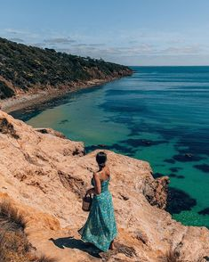 Tanya • Travel Blogger sur Instagram : #ad It kind of looks like the coast of Portugal but these cliffs are actually one of my favourite local spots in Melbourne. This was during…