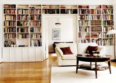 Charming and bright home library. I don't think I'd ever leave this room. Funky Living Rooms, Formal Living Rooms, Small Living, Living Spaces, Bookshelves Built In, Bookcase, Book Shelves, Ikea Strandmon, Bright Homes