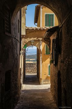 Montepulciano, Tuscany, Italy (by SantiMB), Siena Places In Italy, Places To See, Beautiful World, Beautiful Places, Amazing Places, Emilia Romagna, Italy Travel, Travel List, Greece Travel