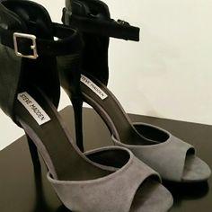 Steve Madden Shoes Step out Black/Grey peep toe heel Steve Madden Shoes Heels