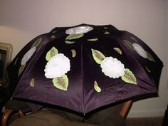 you have to use one with a long handle. Painted gray/white roses all around with one right in the middle. Umbrella Painting, Black Umbrella, White Roses, Middle, Gray, Collection, Fashion, Moda, Fashion Styles