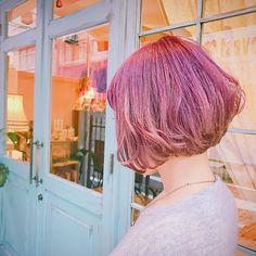 2016/11/07 04:10:56 mayon_mayo ミサさんnewhair💘💘💘腰まであったロングヘアをバッサリ60センチ以上カットして、小学校以来の、なんと17年ぶりのショートヘアーにしてくださいました💞✨💞✨カットした長い髪の毛はヘアドネーションへ寄付されるそう💕💕💕ダブルカラーで可愛いピンクラベンダーにイメチェンして、すっごく可愛いショートボブに大変身しました💓初めてと思えないぐらい凄くお似合いでした💕ミサさんありがとうございます😍💞#ダブルカラー#カラー#ヘアー#ヘアカラー#カット#ピンク#ラベンダー#ヘアカタログ#ヘアカタ#ショート#ボブ#ヘアサロン#美容室#ヘアケア#ビューティー#美容#女子力#派手髪#マニックパニック#ヘアアレンジ#パステル#hair#color#lavender#instasize#instabeauty#haircolor#silver#pink#cute Doll hair 【ドールヘアー】 #美容