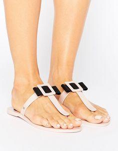 c38d08dd0319ff 32 mejores imágenes de Women s Beachwear    Flip flops (Asos)