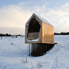 Freya's Cabin by Studio Weave - visitor's shelter made of CNC-cut plywood clad on sides, roof and underside in copper and aluminum alloy